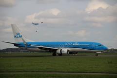 PH-BXC 737-800 AMS 2019-10-19 (2) (Michael Huising) Tags: aviation ams eham planespotting boeing klm schiphol 777 747 737 taxiway royaldutchairlines dreamliner polderbaan airbus a330 embraer 787 queenoftheskies