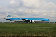 PH-BVF 777-306 AMS 2019-10-19 (3) (Michael Huising) Tags: aviation planespotting eham ams schiphol polderbaan taxiway klm royaldutchairlines boeing dreamliner 737 747 777 787 airbus a330 embraer queenoftheskies
