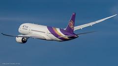 B788_TG937 (VIE-BKK)_HS-TQE_2 (VIE-Spotter) Tags: vie vienna wien airport flughafen airplane flugzeug planespotting spotten loww thai airways dreamliner boeing 787