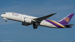 B788_TG937 (VIE-BKK)_HS-TQE_1 (VIE-Spotter) Tags: vie vienna wien airport flughafen airplane flugzeug planespotting spotten loww thai airways dreamliner boeing 787