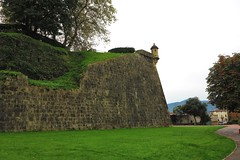 Hondarribia, una historia de murallas abiertas (eitb.eus) Tags: eitbcom 16599 g1 cultura gipuzkoa hondarribia josemariavega