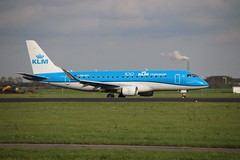 PH-EXJ AMS 2019-10-19 (2) (Michael Huising) Tags: aviation planespotting eham ams schiphol polderbaan taxiway klm royaldutchairlines boeing dreamliner 737 747 777 787 airbus a330 embraer queenoftheskies