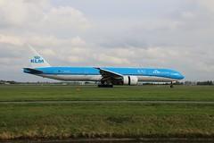 PH-BVF 777-306 AMS 2019-10-19 (5) (Michael Huising) Tags: aviation planespotting eham ams schiphol polderbaan taxiway klm royaldutchairlines boeing dreamliner 737 747 777 787 airbus a330 embraer queenoftheskies