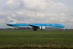 PH-BVF 777-306 AMS 2019-10-19 (4) (Michael Huising) Tags: aviation planespotting eham ams schiphol polderbaan taxiway klm royaldutchairlines boeing dreamliner 737 747 777 787 airbus a330 embraer queenoftheskies