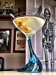 2019 295/365 10/22/2019 TUESDAY -   Martini 🍸 (_BuBBy_) Tags: 2019 295365 10222019 tuesday martini 🍸 10 22 295 365 365days project project365 october seven days martinis 7