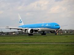 PH-BVF 777-306 AMS 2019-10-19 (1) (Michael Huising) Tags: aviation planespotting eham ams schiphol polderbaan taxiway klm royaldutchairlines boeing dreamliner 737 747 777 787 airbus a330 embraer queenoftheskies