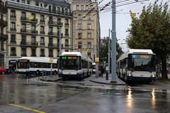 2019-10-21, Genève, Rond-Point de Rive (Fototak) Tags: trolleybus filobus obus genève switzerland geneva swisstrolley maxitrolleybus hess tpg ligne2 ligne6 ligne10 782 732 751