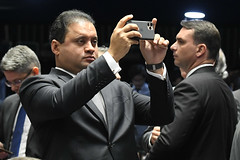 Plenário do Senado (Senado Federal) Tags: plenário sessãodeliberativaordinária ordemdodia pec62019 reformadaprevidência previdênciasocial votação senadorwevertonpdtma senadorfláviobolsonaropslrj senadoralessandrovieiracidadaniase celular brasília df brasil