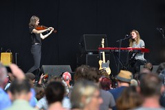 181-20180901_13th End Of The Road Festival-Larmer Tree Gardens-Wiltshire-Garden Stage-Julien Baker with violin accompaniment (Nick Kaye) Tags: endoftheroad music festival wiltshire england
