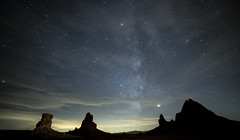 Trona Pinnacles Night Sky Shoot (magnetic_red) Tags: night stars milkyway tronapinnaclesoutdoors remote tufas spires