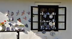 Cozy window HWW (wilma HW61) Tags: hww window raam fenster fenêtre finestra ablak tihany magyarország hongrie hongarije hungary ungheria pottery wall windowwednesday licht light schaduw shadow shade europa europe outdoor nikond90 wilmahw61 wilmawesterhoud dwwg