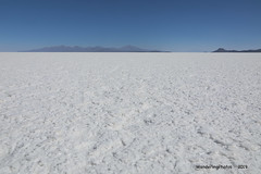 The pure white of the extensive Salt Flats - Salar de Uyuni - Bolivia (WanderingPJB) Tags: flickruploaded travel white southamerica latinamerica bolivia saltflats salardeuyuni salt