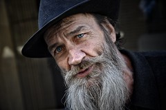 blue eyes (gro57074@bigpond.net.au) Tags: clickx blueeyes homelessness conversation posedportrait posed f50 2470mmf28 tamron d850 nikon october2019 guyclift survivor challenges struggles life cbd martinplace sydney color beard blue colour richard man streetportrait