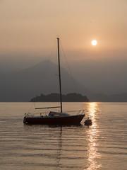 Port d'attache **---+°-° (Titole) Tags: boat sunrise lagomaggiore lakemaggiore lacmajeur titole nicolefaton baveno friendlychallenges challengeyouwinner 15challengeswinner