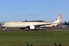 A6-ETD (GH@BHD) Tags: a6etd boeing 777 773 77w 777300 b777 b773 b77w ey etd etihadairways dub eidw dublinairport dublininternationalairport dublin aircraft aviation airliner