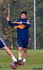 Nieto poniendo el peto (Dawlad Ast) Tags: real oviedo club de futbol entrenamiento trainning requexon octubre 2019 asturias españa soccer deporte sport juanjo nieto