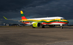 YLCSK_speciallivery_BTI_CS300_BRU_SEP2019 (Yannick VP) Tags: civil commercial passenger pax transport aircraft airplane aeroplane jet jetliner airliner bt bti airbaltic bombardier cseries cs300 airbus a220 a220300 ylcsk lithuania flag livery special colors colours paint scheme airside taxi stand 160 a60 brussels airport bru ebbr belgium be europe eu september 2019 aviation photography planespotting airplanespotting