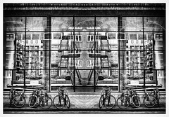 33 (bert • bakker) Tags: amsterdam noordholland nederland thenetherlands straat street fietsen bicycles nikon85mm18g elitegalleryaoi bestcapturesaoi aoi