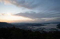 佐世保港の日の出 (edo420) Tags: d5 20mm 20mmf18 日の出 sunrise 佐世保 sasebo japan