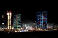 P1950349 (Lumixfan68) Tags: berlin berliner hbf festival lights lichtkunst illumination hauptbahnhof nachtaufnahmen