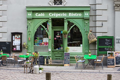 Bistroeingang (mkirstefoto) Tags: bistro cafe creperie deutschland europa hauseingang quedlinburg sachsenanhalt tische