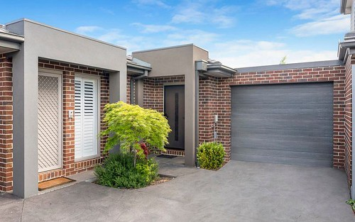 2/53 Moore Rd, Airport West VIC 3042