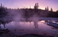 colorful mood at the West Thumb (kleiner_eisbaer_75) Tags: yell yellowstone nationalpark ynp wyoming usa west thumb geyser basin mood stimmung farben colors steam dampf reflection spiegelung abends evening