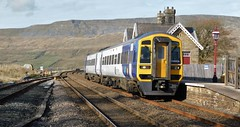 158908 - Ribblehead, North Yorkshire (The Black Country Spotter) Tags: ribblehead railway station north yorkshire northern northernrail class158 express sprinter dmu diesel multipleunit 158908 settleandcarlisle networkrail britishrailways