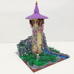 Rapunzel's Tower   Built for my soon to be 8 year old daughter  Follow me for more builds here: https://www.instagram.com/lego.scape.sculpture/ (ben_pitchford) Tags: legodisneymoviesrapunzelstowerdisneytangleddisneyfanafollegocustomlegolifelegophotographybricknetwork