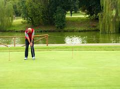 6738 - Putt (Diego Rosato) Tags: golf green verde pond stagno club parco principi fuji x30 rawtherapee putt