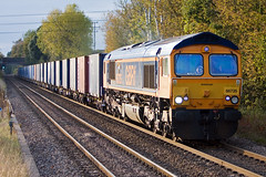 GBRf - 66735 (Signal Box - Railway photography) Tags: outdoor railway railroad uk mainline locomotive class66 66735 gb railfreight electric diesel whitchurch hampshire station autumn gbrf