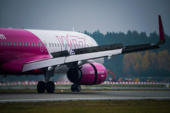 Riga Airport spotting Oct 2019 (Sergey Melkonov) Tags: red avgeek aviofotolv rix spotting planespotting rigaairport wizzair sony a99m2 ilcaa99m2