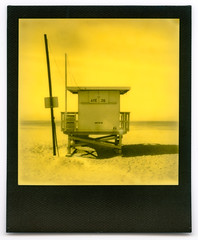 ave 26. venice beach, ca. 2016. (eyetwist) Tags: eyetwistkevinballuff eyetwist ave26 venicebeach lifeguard polaroid sx70 impossible duochrome yellow project 600 color monochrome third man records blackframe polaroidsx70 impossibleduochromeyellow thirdmanrecords impossibleproject instant film analog generation vintage modified landcamera emulsion instantgratification analogue ishootfilm goop streaks flaws spots losangeles los angeles angeleno ocean beach pacificocean venice la oceanfrontwalk pacific baywatch 26thavenue socal california sand surf horizon seascape roidweek2019