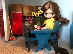 """""""Sunflowers"""" BaD 10/23/19 (Foxy Belle) Tags: doll dollhouse lundby petite blythe kitchen lunch sunflower day bad october 23 2019 table"""