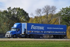 Fastenal Freightliner...HTT (novice09) Tags: truckthursday freightliner fastenal tractortrailer truck bigrig ipiccy