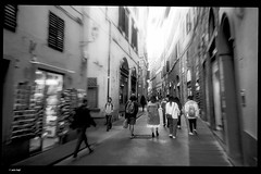 IMG_20191016_152209 (anto-logic) Tags: firenze florence italia italy toscana tuscany street strada people persone bw bn composizione compo luce luci puntodivista profonditàdicampo bello design composition light lights pointed tip pointofview depthoffield beautiful pov dof bokeh nice pretty cute gorgeous wonderful fabulous magnificent superb warm naturallight skin lighting framing crop charming focus postproduzione postproduction lightroom filtro filter effetti effects photoshop alienskin huawei leica p20pro
