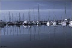 Reflejos. (antoniocamero21) Tags: reflejos color foto sony simetría puerto embarcaciones mar agua barcos cielo garraf sitges barcelona cataluña paisaje marina calma