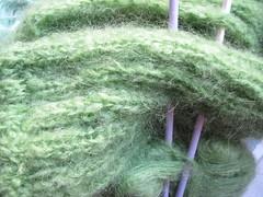 Va siendo hora también (Micheo) Tags: lana wool jersey mohair soft tierno verde green invierno frio casa home