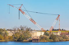 Lampson-Hitachi Crane - The World's Largest (oldbourbonguy) Tags: americanempress columbiariver crane hitachi kennewick ltl3000 lampsoninternational nuclearpowerplant pasco washington unitedstatesofamerica