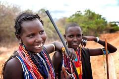 Abore Women (Rod Waddington) Tags: africa african afrique afrika äthiopien abore tribe traditional tribal woman regalia beads candid roadside ethiopia ethiopian ethnic ethnicity etiopia ethiopie etiopian outdoor omovalley omo omoriver culture cultural women