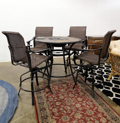 Patio Table with 4 chairs ($364.00)