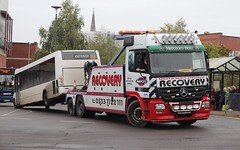 Mayo's MB Actros 1844 Recovery Truck (Ed's Bus Photos) Tags: mayos mb actros 1844 recovery r b travel optare solo m1020 courtney bracknell yj57xxe
