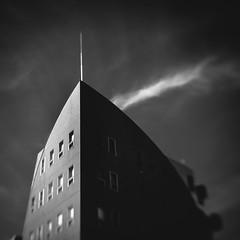 (Masahiko Kuroki) Tags: bnw monochrome noiretblanc architecture lensbaby trio28 xe2 東京