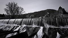 Sous la douche (Un jour en France) Tags: canoneos6dmarkii canonef1635mmf28liiusm nature paysage rivière village ville noiretblanc noiretblancfrance monochrome