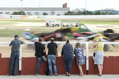 Penultimate lap blur (2/2) (PChamaeleoMH) Tags: horses people offroad racing judges hipodrommunicipaldemao vehicles van spectators rangerover umpire trotting sanlluis