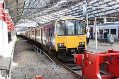 liverpool lime street 150120 (brianhancock50) Tags: railway rail railways train trains dmu class150