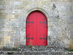 RED DOOR ||  RODE DEUR (Anne-Miek Bibbe) Tags: happythursdaydoorsday thursdaydoorsday tdd donderdagdeurendag ddd rood rouge red rot rosso rojo vermelho annemiekbibbe bibbe nederland 2019 canonpowershotsx280hs france frankrijk