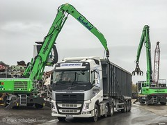 """WU15CVS Volvo FH loading turnings (Mark Schofield @ JB Schofield) Tags: taylor transport road commercial vehicle lorry truck wagon tipper tanker artic eight wheeler haulage contractor bulk haulier tractor unit freight hgv lgv scrap scrapyard yard metal processor merchant cast iron schofield linthwaite huddersfield """"jb schofield"""" """"metal merchants"""" recyclers recycling recyclers"""" steel copper """"schofield huddersfield"""" hooklift hookloader scraphandler sennebogen 825e 830e"""