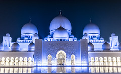 Sheikh Zayed Grand Mosque (Walid Mahfoudh) Tags: sheikh zayed mosque uae abu dhabi emirates sunset gold sky blue clouds minaret dome golden light beauty reflection great