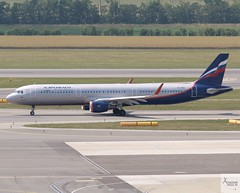 Aeroflot A321-211 VP-BAY taxiing at VIE/LOWW (AviationEagle32) Tags: vienna viennaairport viennaschwechatairport schwechatairport schwechat flughafen flughafenwein wein vie loww austria airport aircraft airplanes apron aviation aeroplanes avp aviationphotography avgeek aviationlovers aviationgeek aeroplane airplane planespotting planes plane flying flickraviation flight vehicle tarmac aeroflot skyteam airbus airbus321 a321 a321200 a321211 vpbay